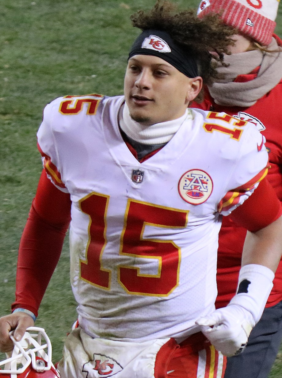 NFL-Mahomes leads Chiefs past Titans and into Super Bowl