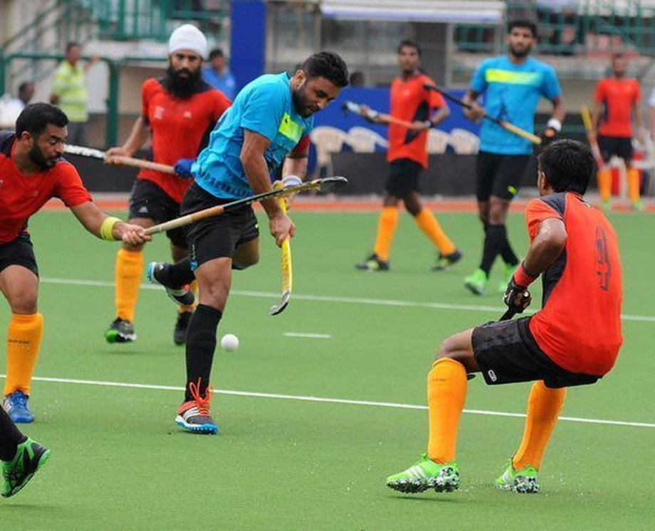 Indian hockey team shoots for Kaun Banega Crorepati hosted by Amitabh