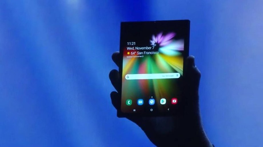 UPDATE 4-Samsung gives first glimpse of foldable phone
