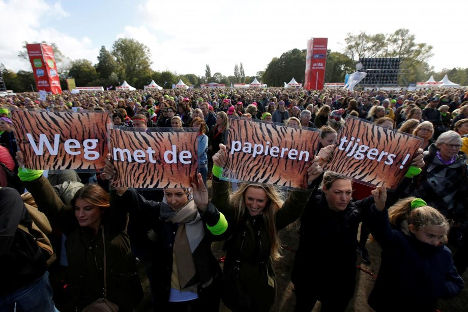 Dutch teachers, lecturers to hold first ever all-out strike in March