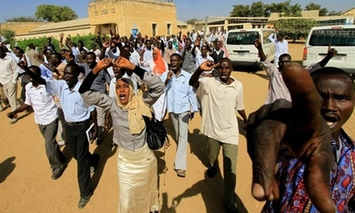 Sudanese forces continue use of tear gas to control nationwide protests