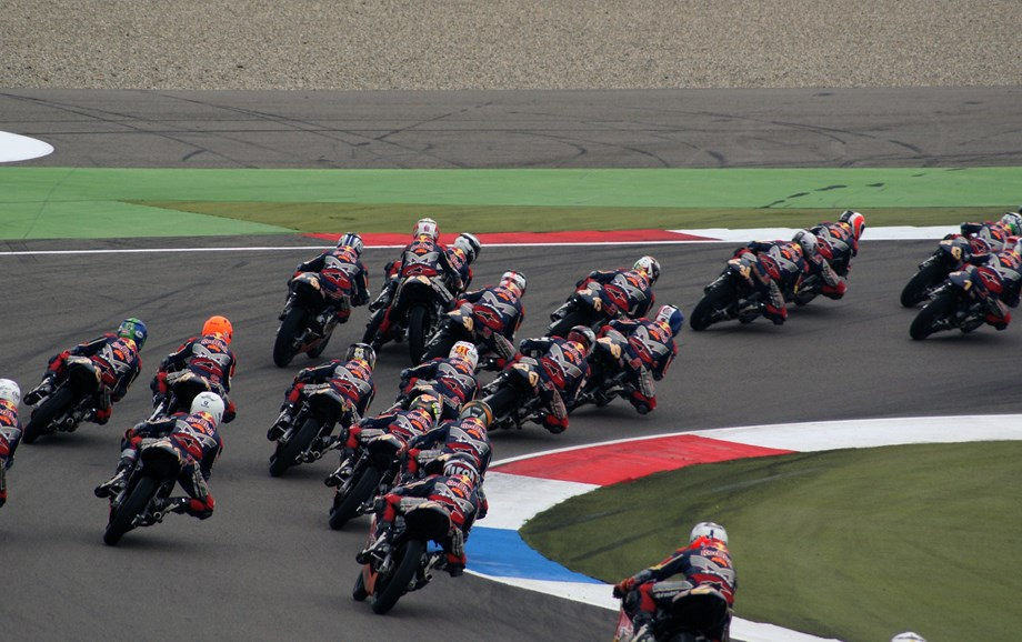 Motorcycling-Bad weather hits MotoGP in Austin
