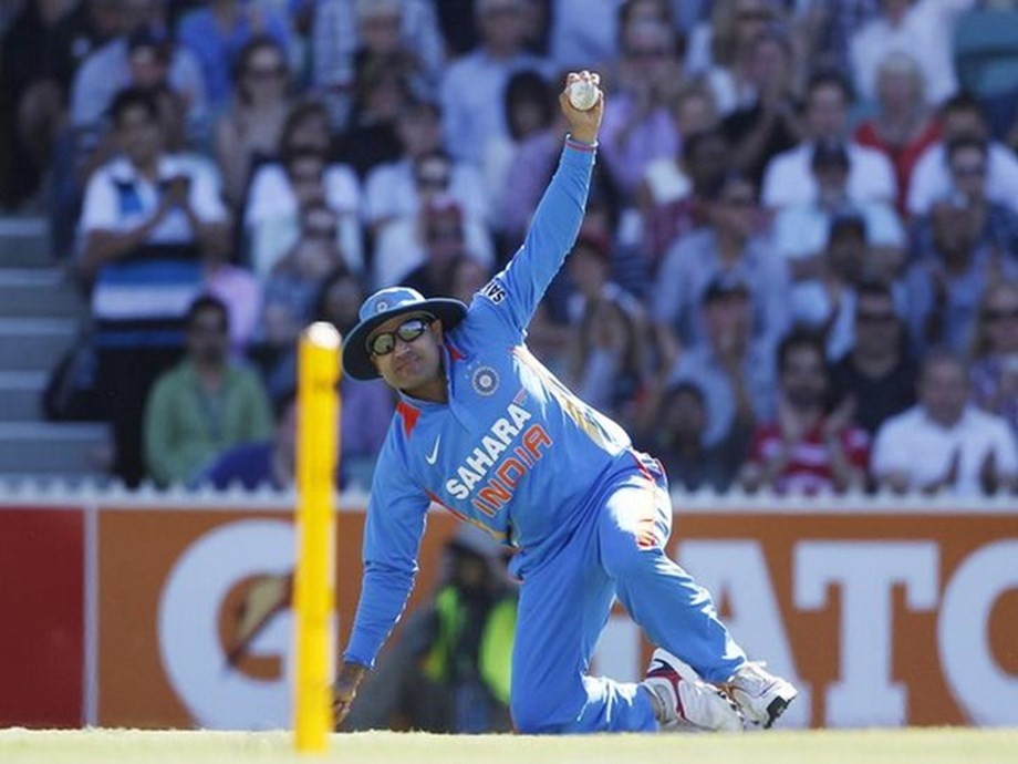 CRICKET-Sehwag takes a hilarious jibe at Duckworth-Lewis method