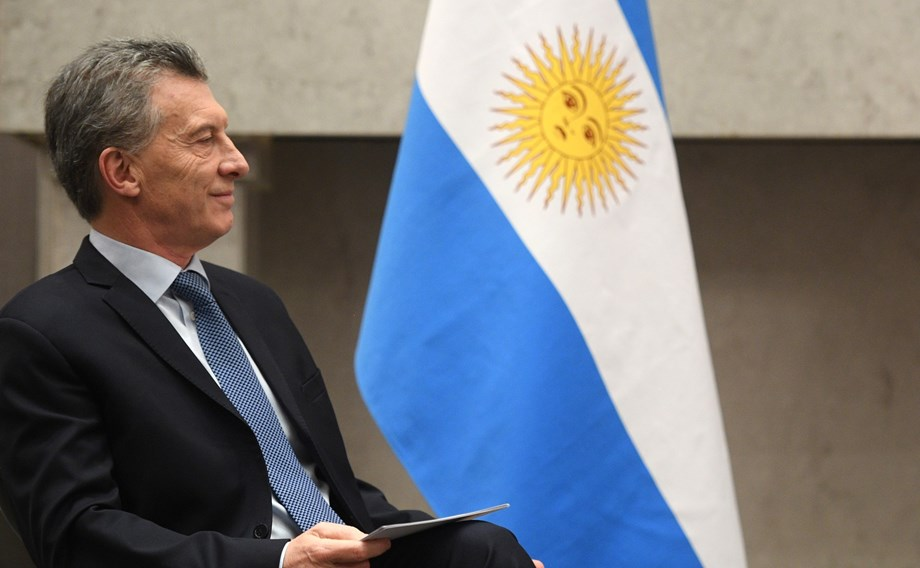 Argentina presidential front-runner 'fine' with 60 peso/dollar FX rate