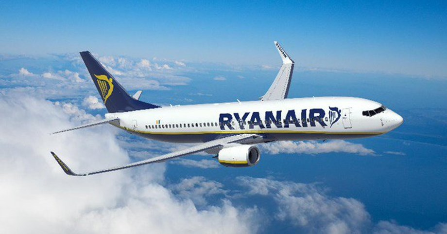 UPDATE 1-Ryanair says could start getting Boeing 737 MAX by April