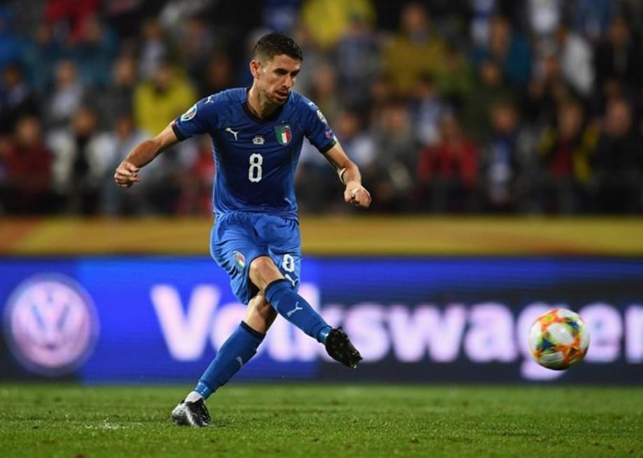 UPDATE 1-Soccer-Harsh penalty earns Italy 2-1 win in Finland