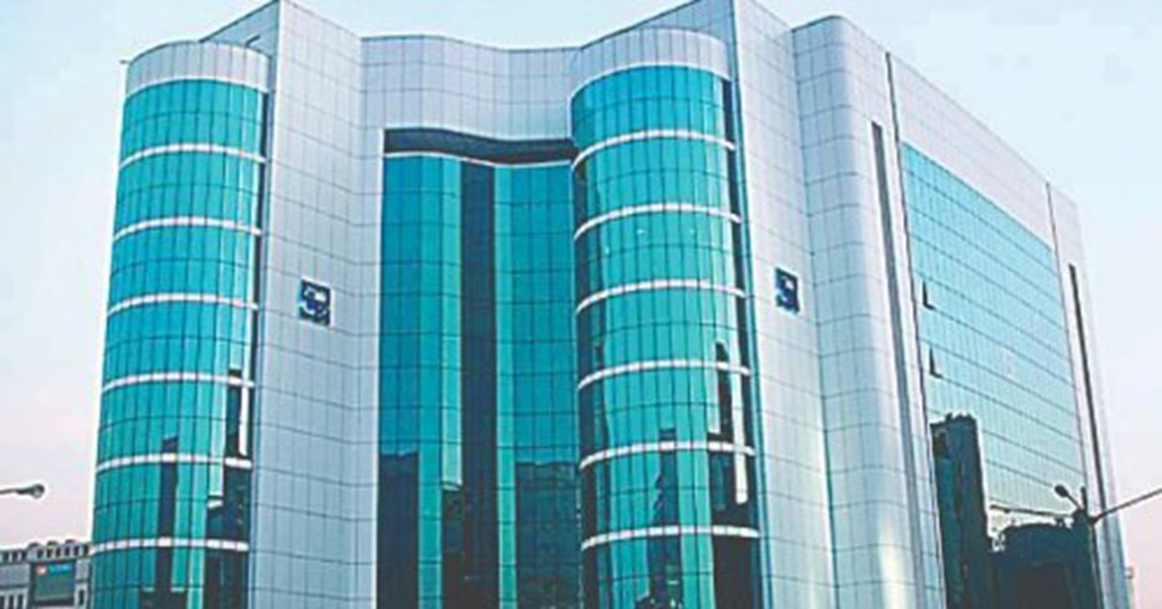 SEBI panel recommends direct listing of Indian firms on forex