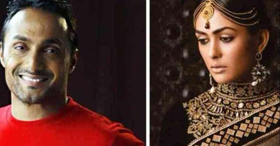 Mrunal Thakur says challenging to measure up to Ramya Krishnan's portrayal of queen