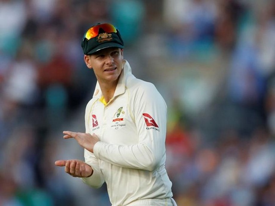 Cricket-South Africa boss asks fans to respect Smith, Warner
