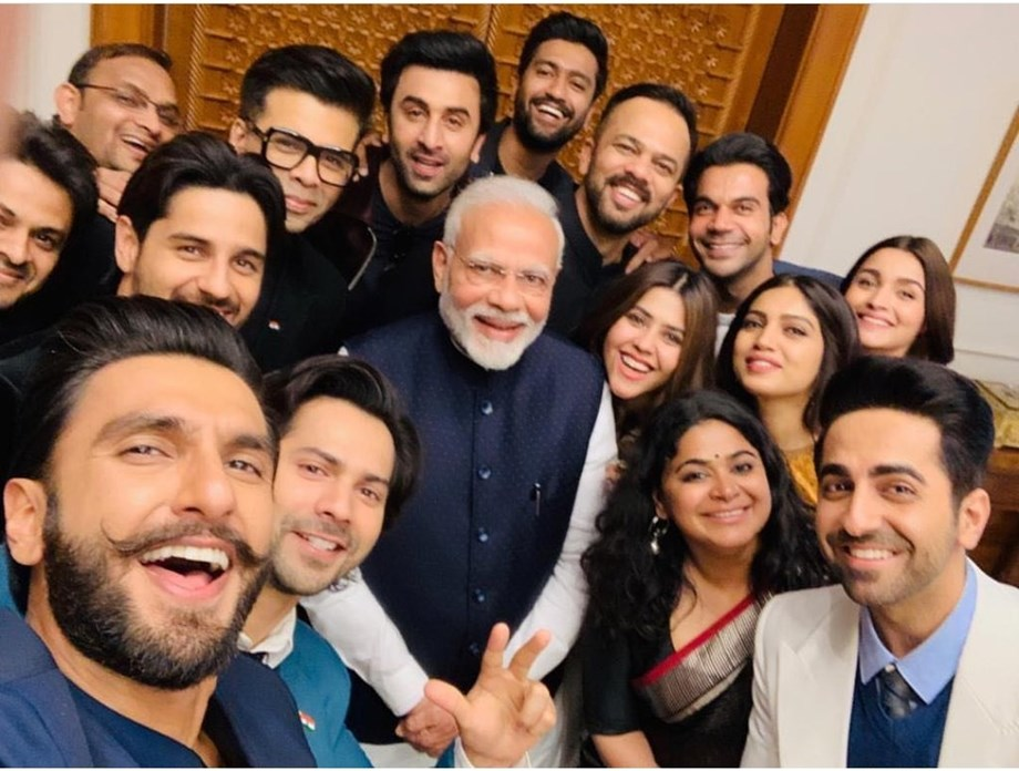 Bollywood celebrities meets Modi, Ranveer tweets 'Jaadoo ki Jhappi!'