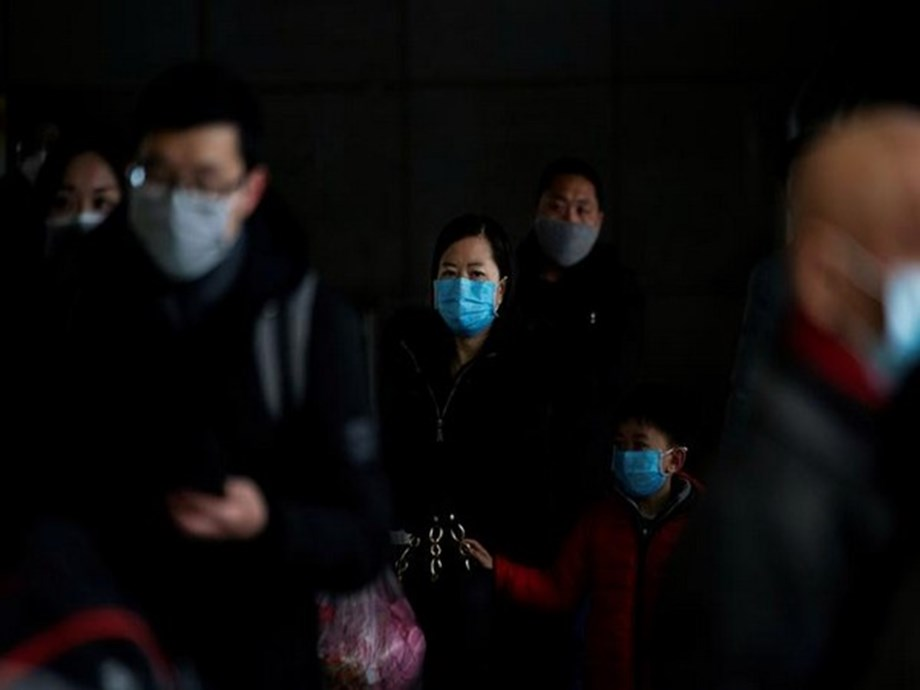 WRAPUP 4-More China coronavirus cases, deaths; US urges citizens off ship