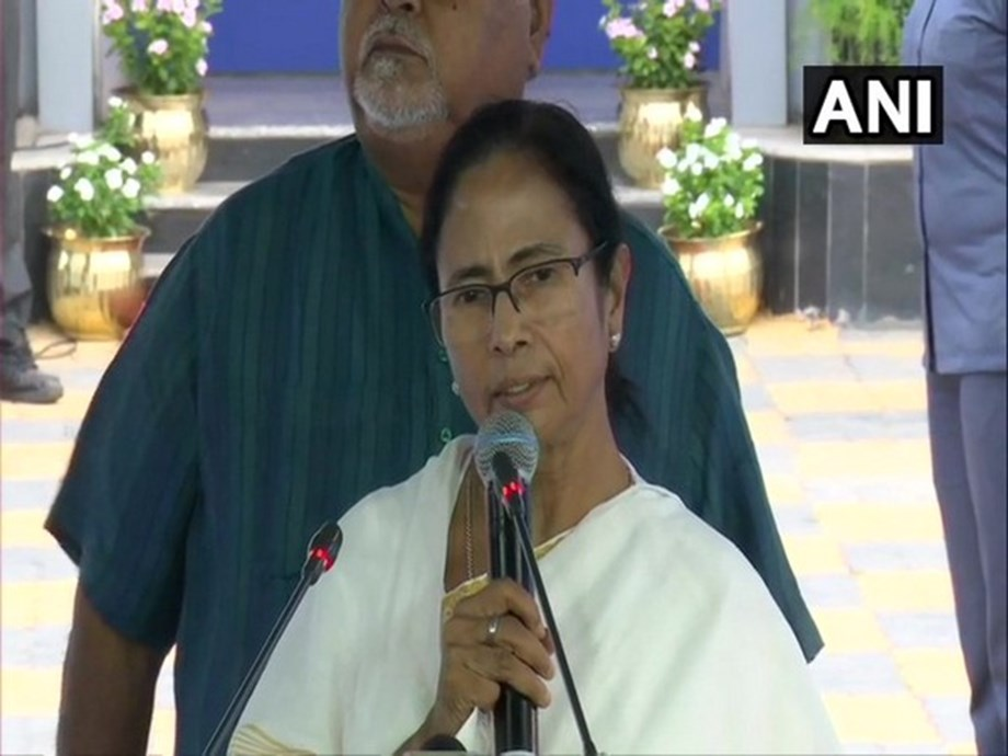 Mamata-led govt machinery is completely 'defunct': Congress MP to WB Governor