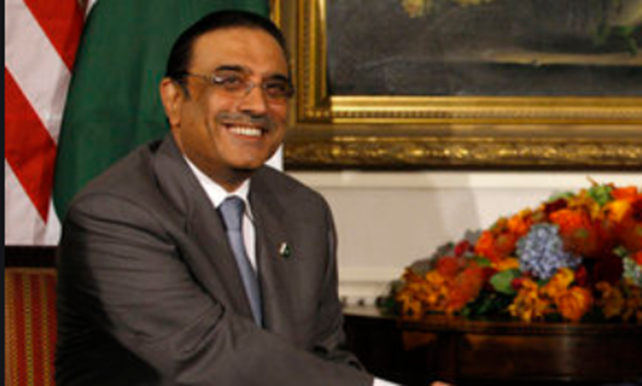 UPDATE 2-Former Pakistani president Zardari arrested on corruption charges