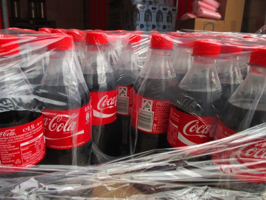 Coca-Cola donates 50 starter biz kits to vendors in Kenya's capital