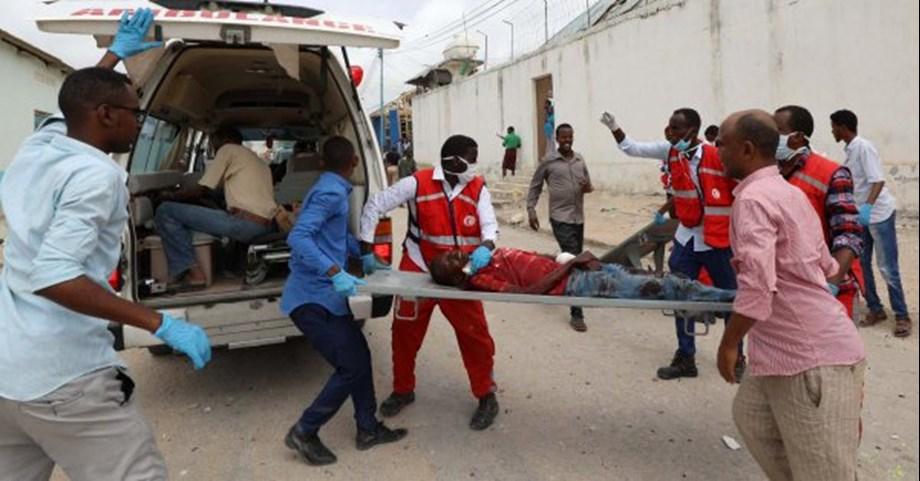 UPDATE 2-Suicide car bomb kills at least six in Somali capital