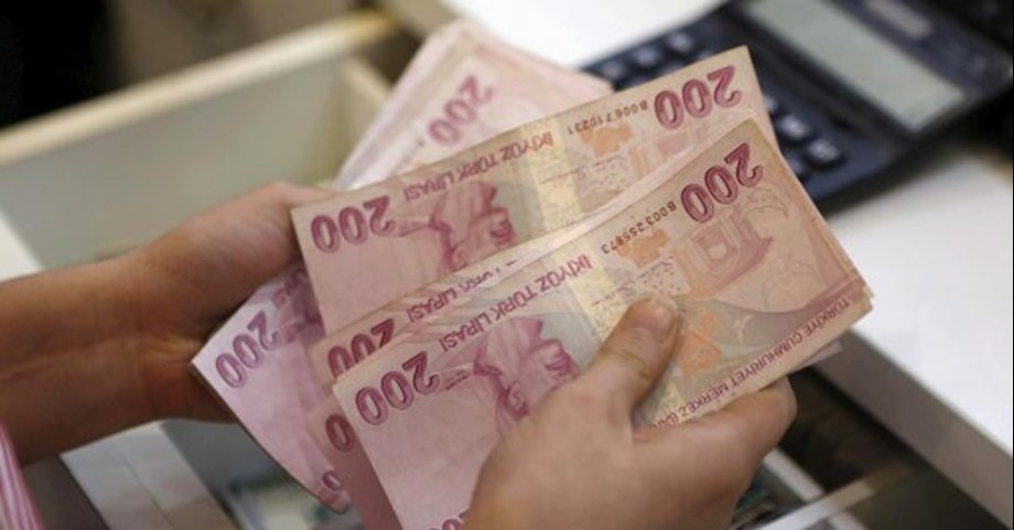 UPDATE 3-Turkish economic growth slows to 5.2% in second quarter of 2018