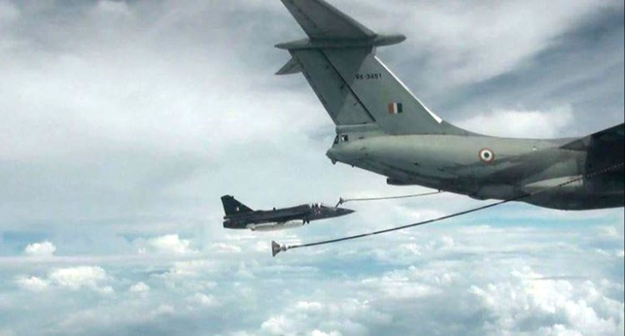 LCA Tejas successfully completes mid-air refueling of 'wet contact' trial