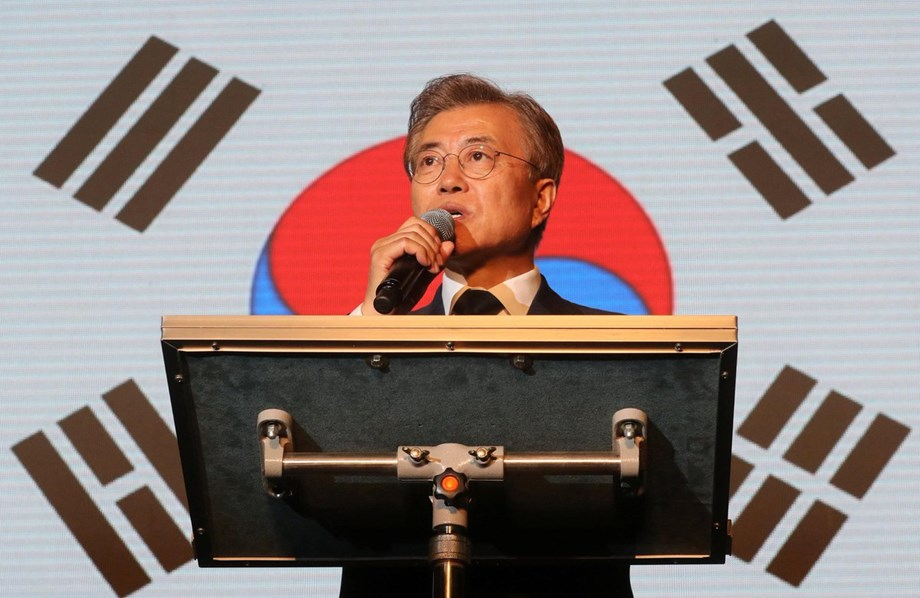 S. Korean Prez Moon fires top economic policymakers, replaces with insiders