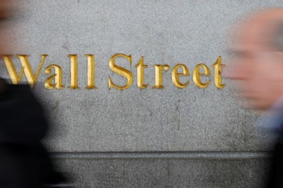 US stocks gains as Cyber Monday begins