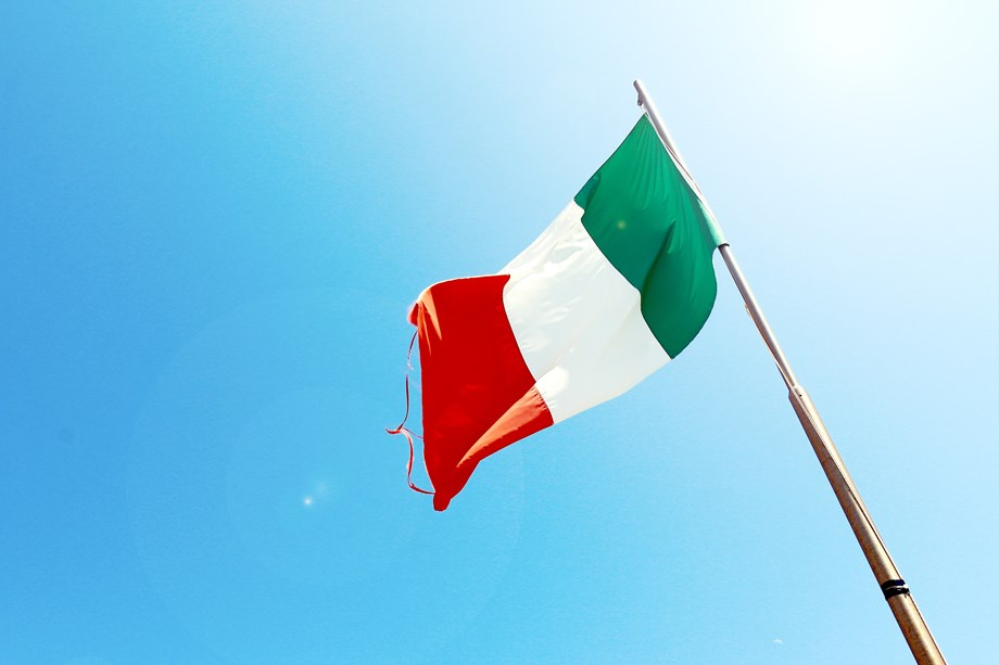 UPDATE 1-Italian bond yields drop as Tria looks to restore market confidence