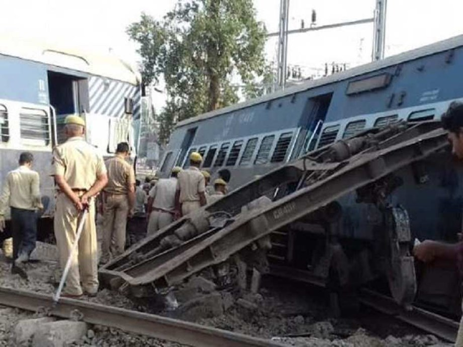 Still not clear what caused derailment of Express train in Rae Bareli un UP