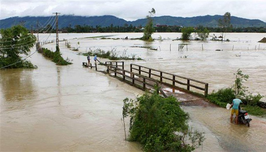 Typhoon Toraji: 14 killed in floods and landslides in Vietnam