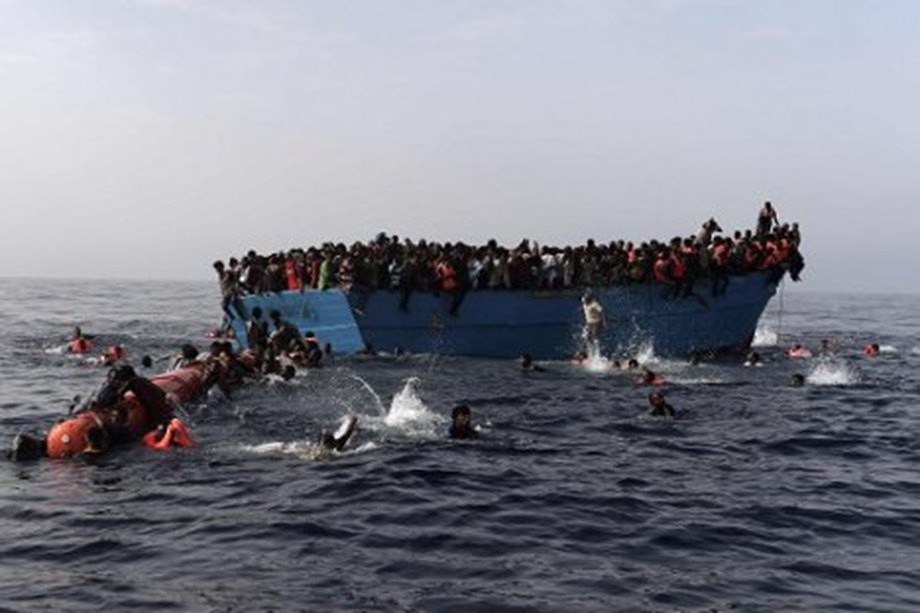UPDATE 1-Four dead, 30 missing as migrant boat sinks off western Turkey - interior ministry
