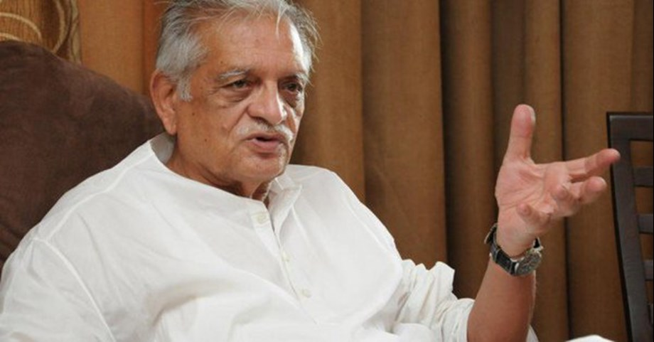 Gulzar says cinema reflects society; not meant to preach people