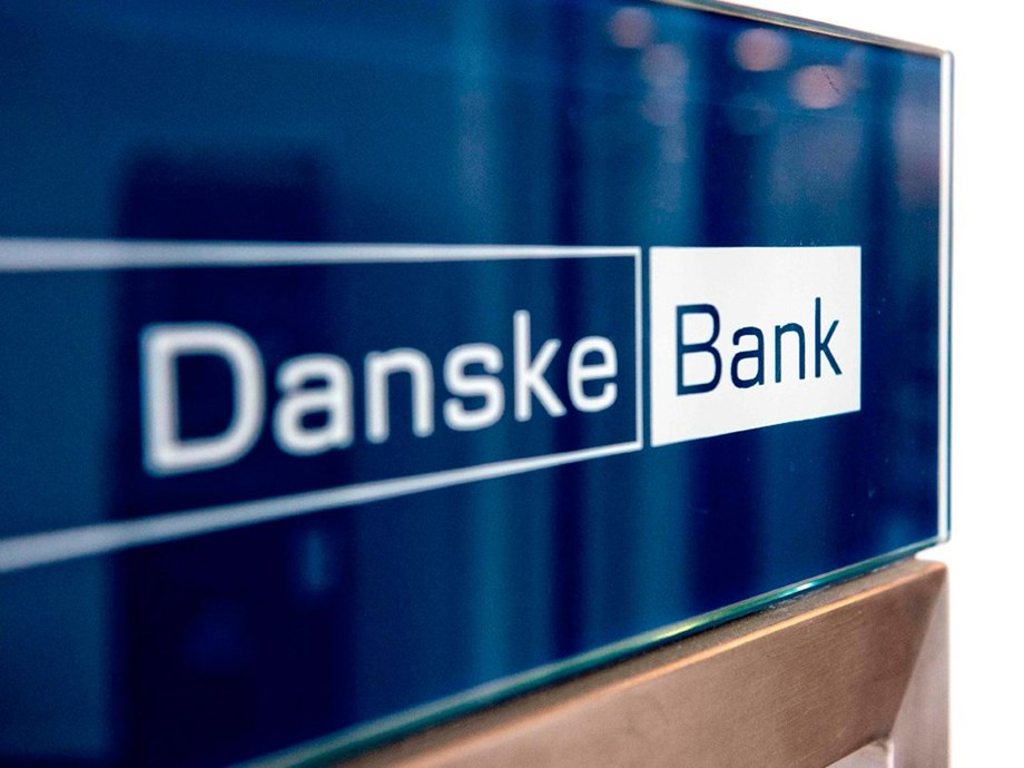 CORRECTED-UPDATE 3-Estonia says its banks handled over $1 trillion transactions in 2008-2017