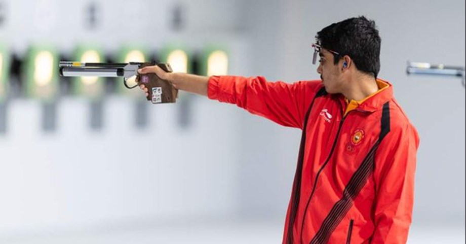 Saurabh Chaudhary gunned down men's 10m air rifle gold