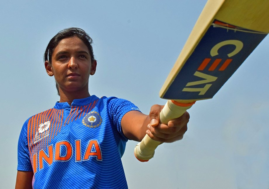 Harmanpreet hitting sixes to avoid running due to stomach cramps