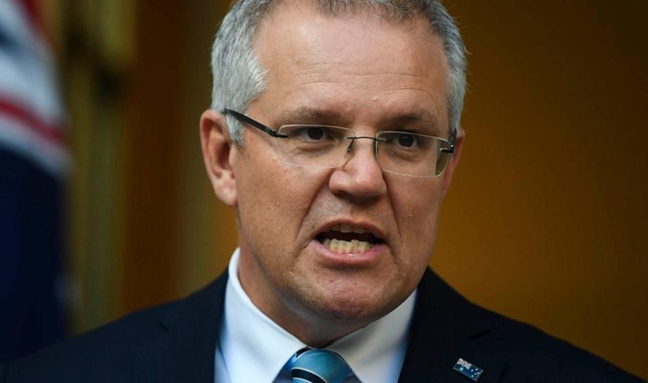 UPDATE 2-Australia PM holds emergency meeting as electoral oblivion looms