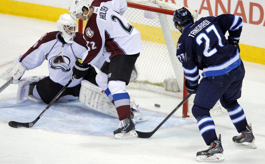 Winnipeg Jets thrashes Colorado Avalanche 5-2