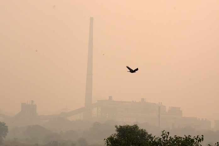 Delhi reports very poor air quality; 7 areas record 'severe'