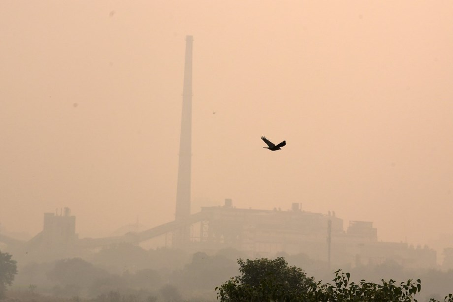 Delhi to witness partly cloudy day with haze or smoke cover: Met