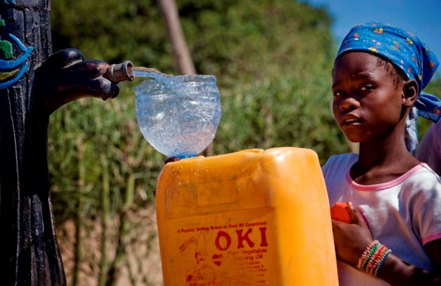 Angola 's President João Lourenço reveals 52 pct of population has access to drinking water