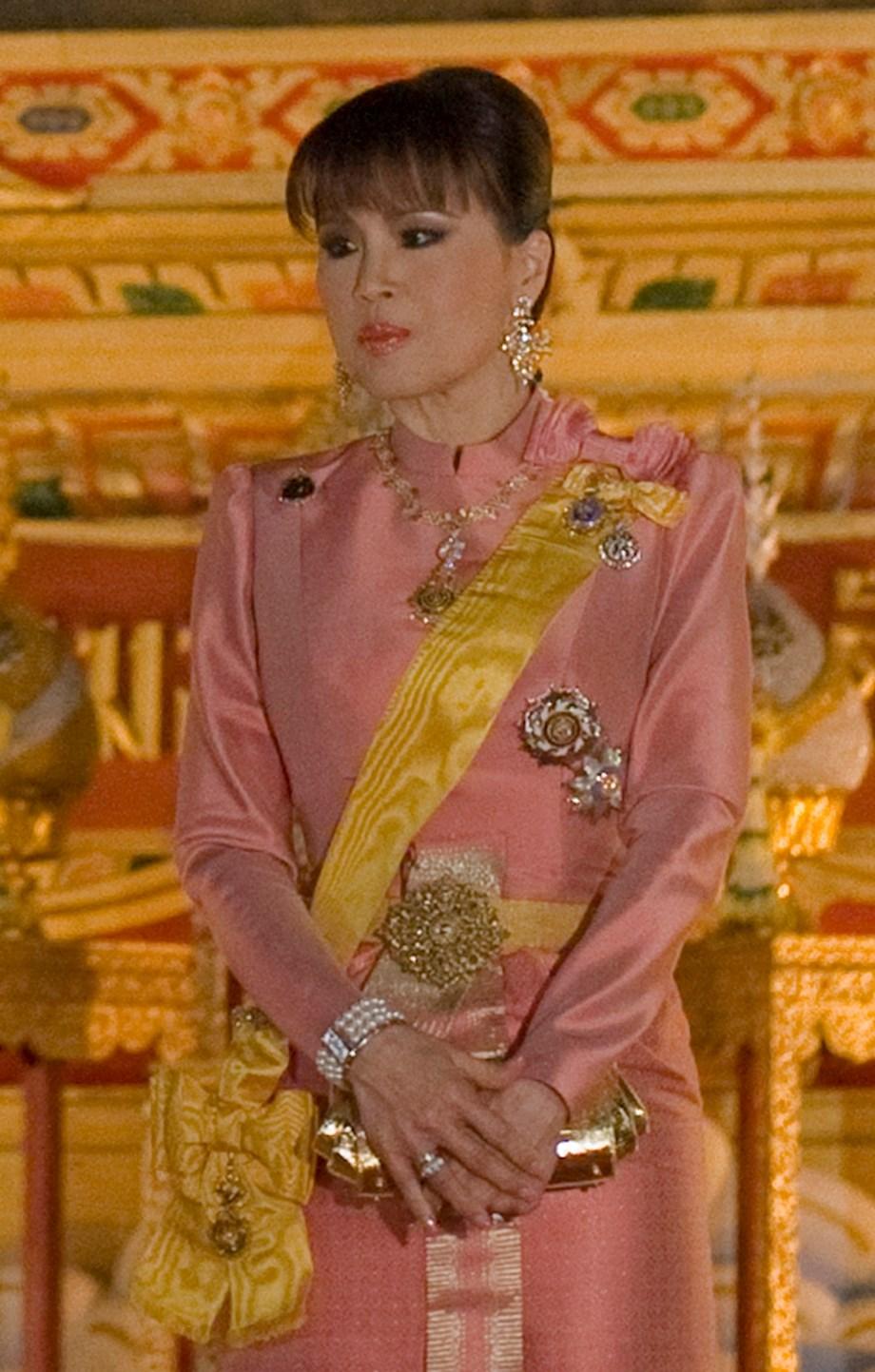 Thai Raksa Chart party may be banned after princess election row