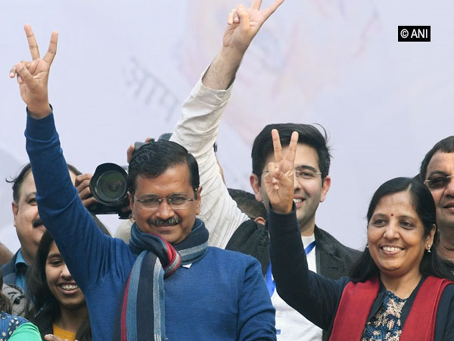 Kejriwal calls Cabinet ministers for dinner ahead of swearing in; to discuss devp roadmap