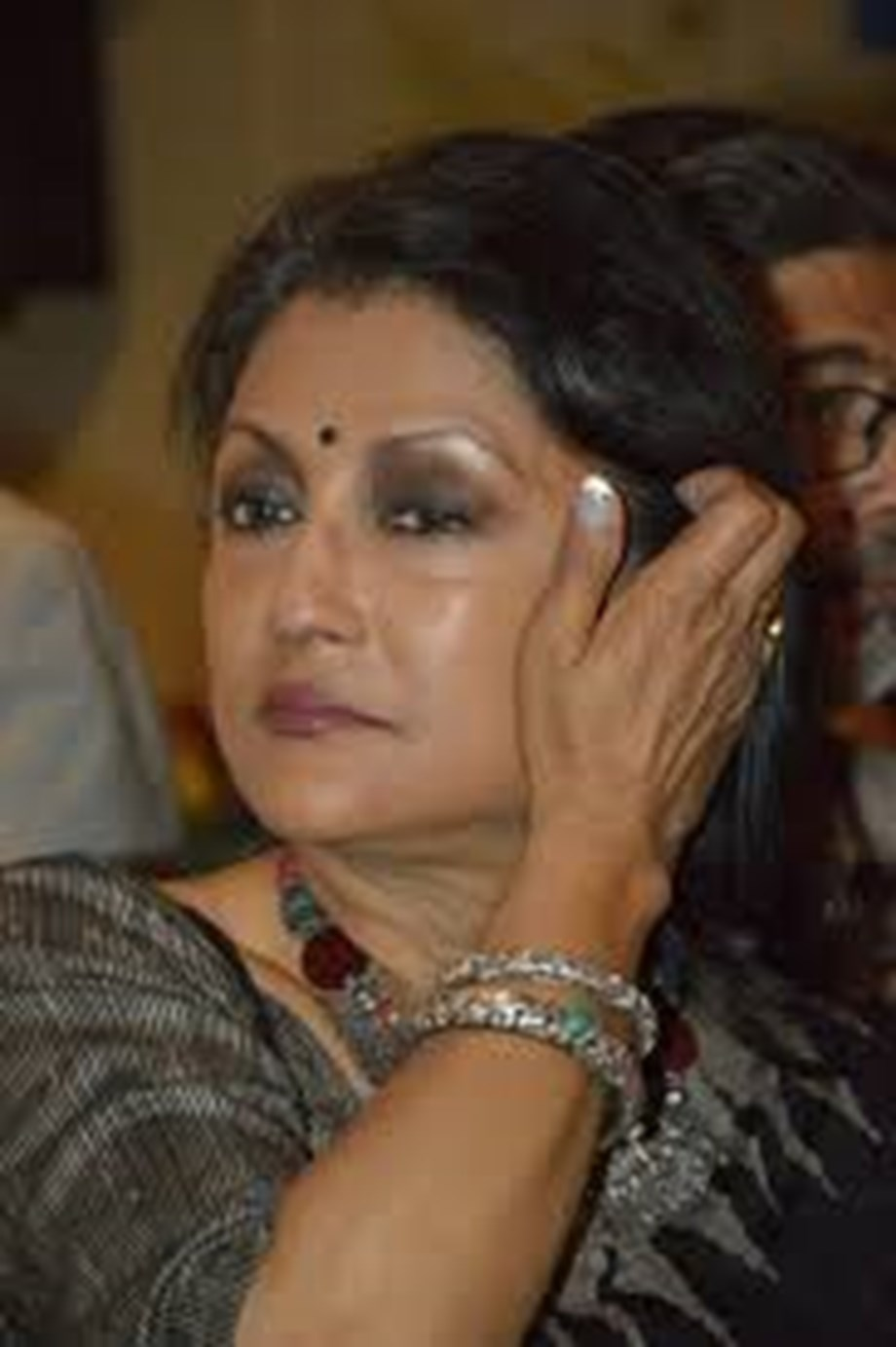 No shame in saying sorry, Mamata should apologise to doctors: Aparna Sen