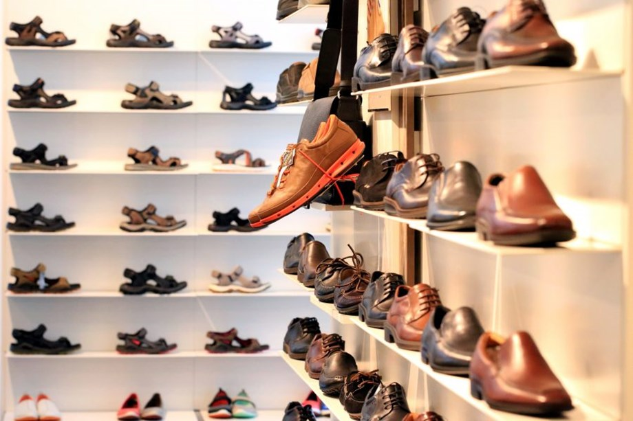 Businessman highlights hardships of Agra shoe industry ahead of elections