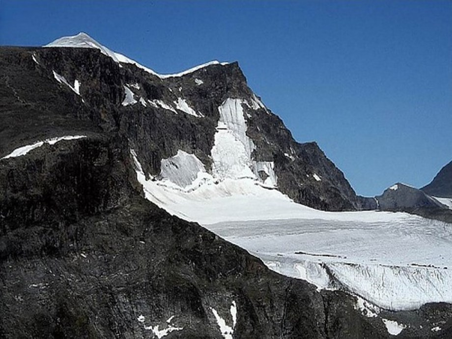 Global warming is to blame for Sweden's highest peak losing title