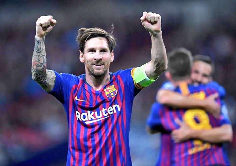 "Messi's 400 La Liga goals ""monstrous"", says Barca coach Valverde"
