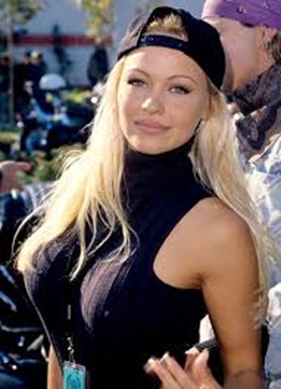 Actress Pamela Anderson behind bars in Paris; championed cause of farm animal abuse