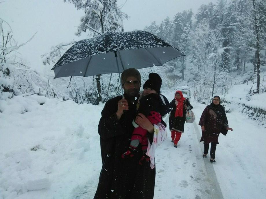 Widespread snowfall in Kashmir Valley