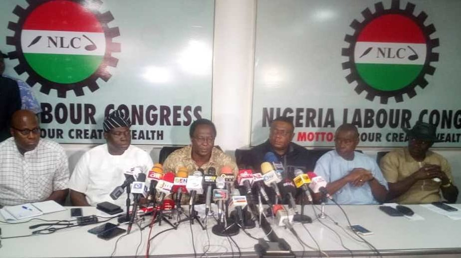 Nigerian labour organization negotiating with government to increase minimum wage