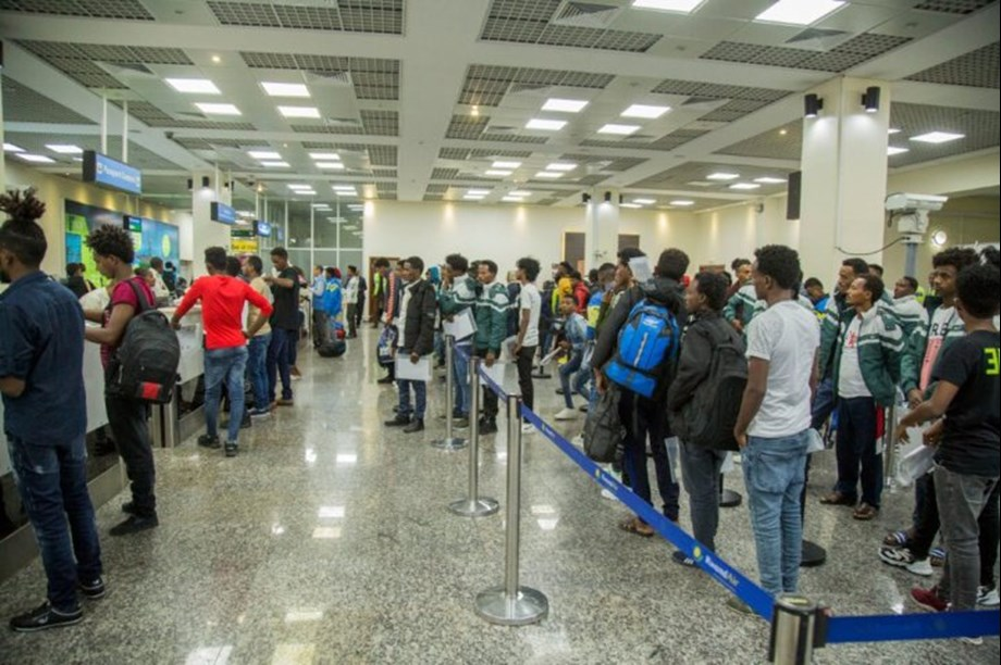 UNHCR provides assistance to 123 refugees from Libya returning to Rwanda