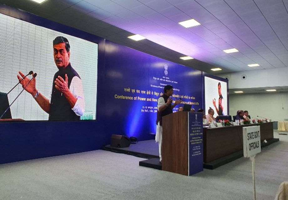 Need for timely payments by Discoms to power generators: RK Singh