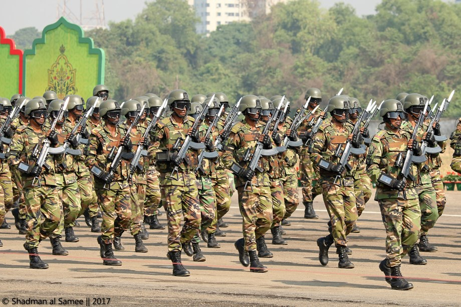 Bangladesh police fired rubber bullets on hardliners who attacked Ahmadi Muslim