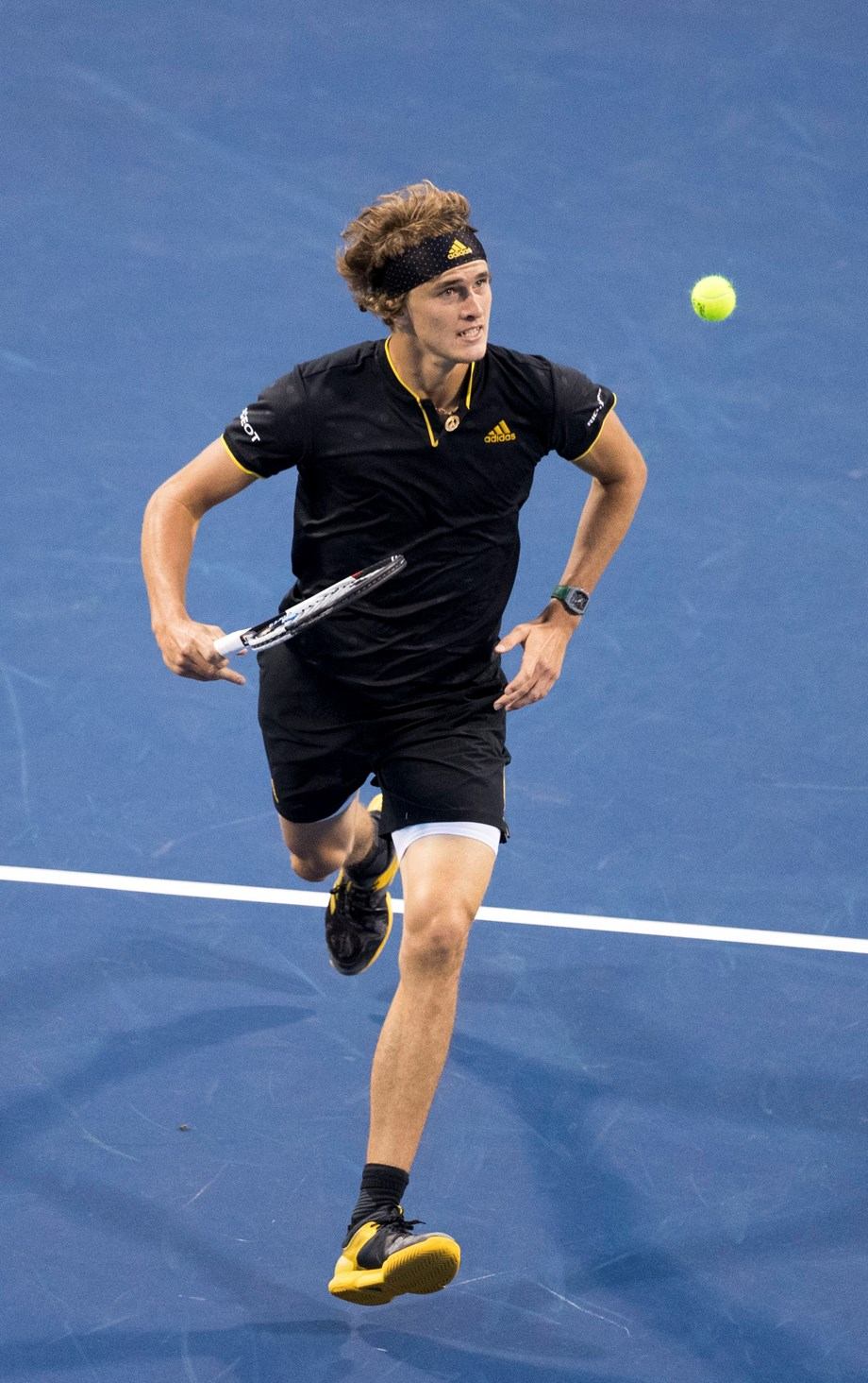 Zverev stunned by Brown in grass-court opener