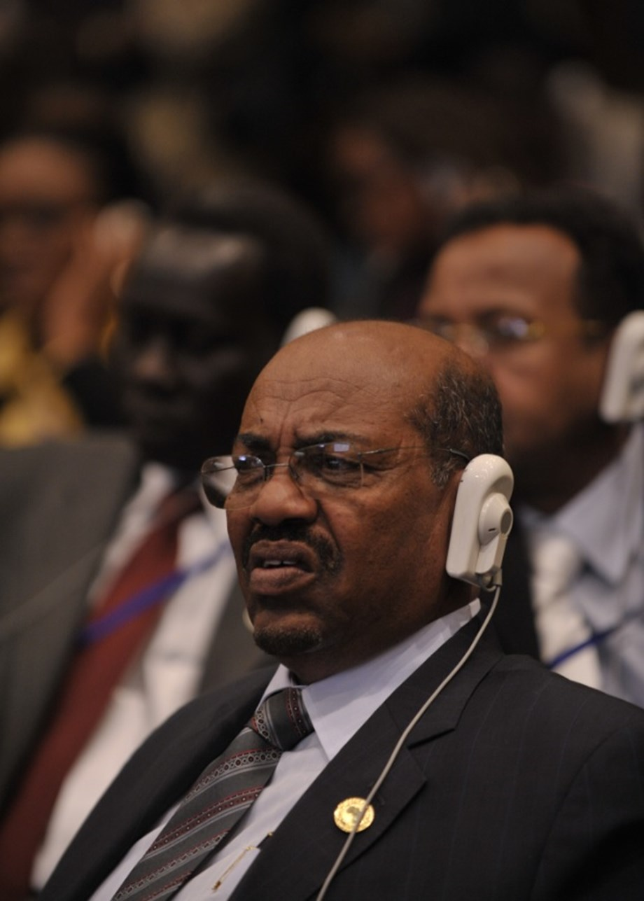 Bashir rely on new 20 member cabinet to solve economic crisis in Sudan